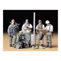 TAMIYA 35212 German Soldiers Field Briefing 1:35 Military Model Kit