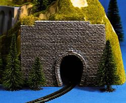 Noch Single Track Scale Transition Hard Foam Tunnel Portal (2) N Gauge 34790