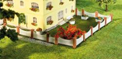 Faller Front Garden Fencing Building Kit 210mm IV N Gauge 272409