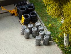 Faller Aluminium Beer Barrels (10) Building Kit HO Gauge 180971