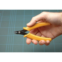 """ExpoTools 5"""" Easy Grip Pliers: Side Cutters 75550."""