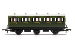 Hornby Coach R40132 SR, 6 Wheel Coach, 3rd Class, Fitted Lights, 1908 - Era 3