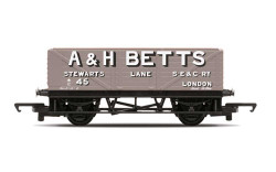 Hornby Railroad R60049 PO, A & H Betts, Plank Wagon - Era 2
