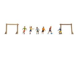 Noch Children Playing Football (6) Figure Set N15817 HO Gauge