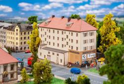 Faller Kandelhof Cinema Building Kit Z Gauge 282795