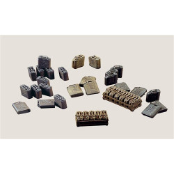 ITALERI Jerry Cans 402 1:35 Accessories Model Kit
