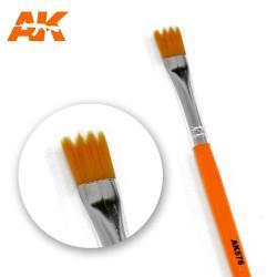 AK Interactive AK576 Saw Shape Weathering Paint Brush
