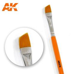AK Interactive AK578 Diagonal Shape Weathering Paint Brush
