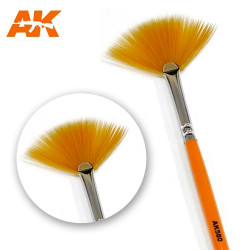 AK Interactive AK580 Fan Shape Weathering Paint Brush