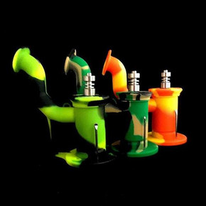 """SILICONE OIL RIG WITH TITANIUM NAIL & TOOL 