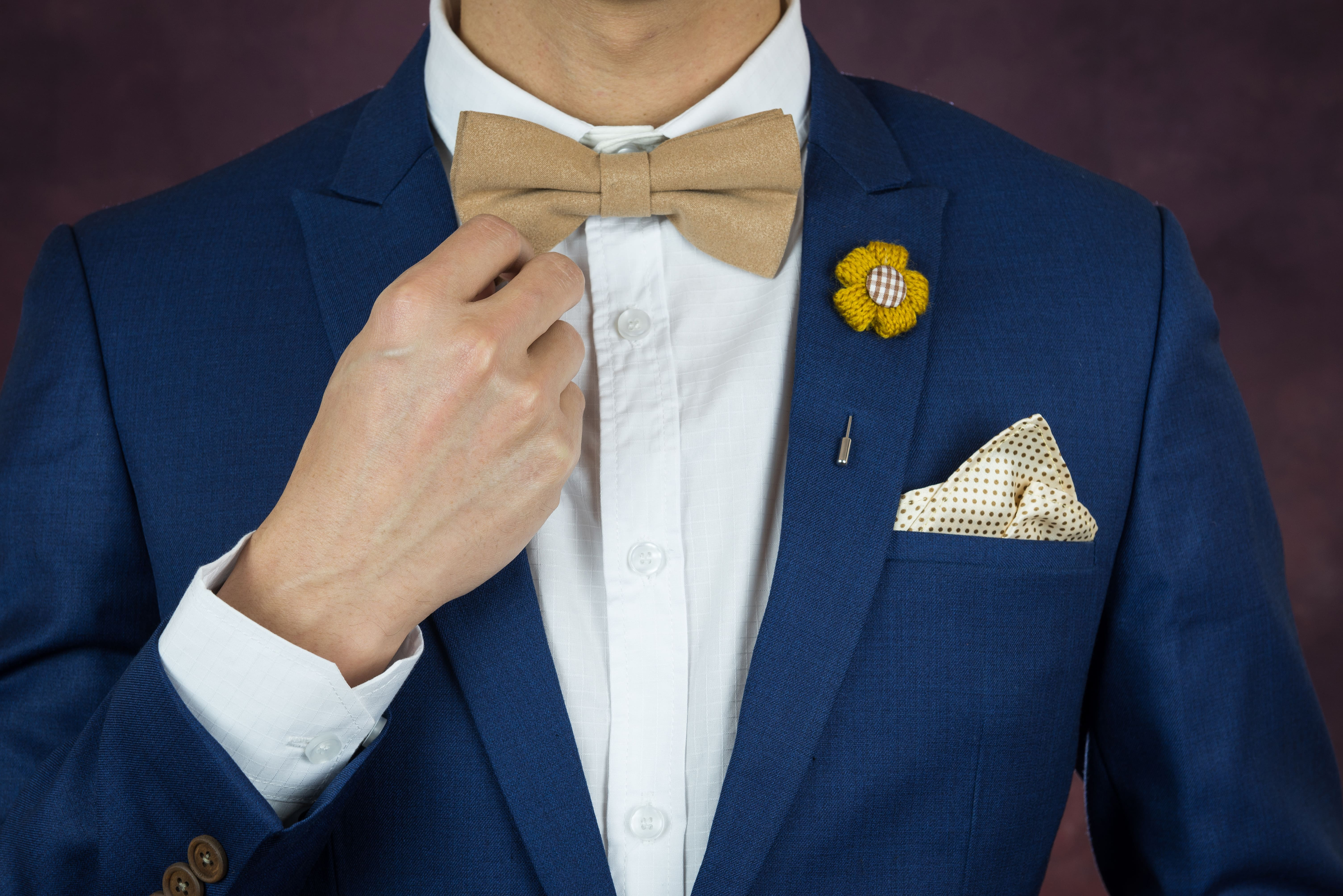 How to wear a lapel pin with a pocket square