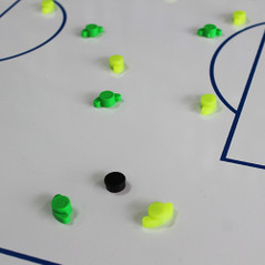 PLAYER SHAPED MAGNETS GREEN/YELLOW [FROM: $13.50]