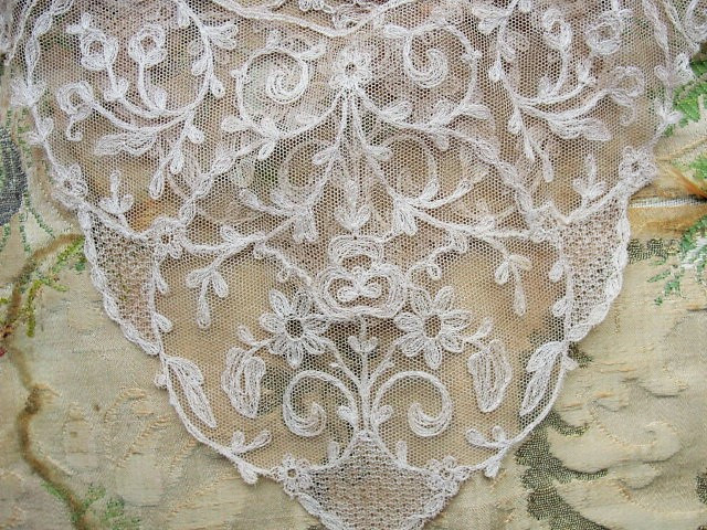 Breathtaking antique french netted tambour lace circular collar