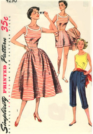 1950s FAB Weekend Wear Pattern SIMPLICITY 4290 Travel or Beachwear Scoop Neck Blouse,Full Skirt,High Waist Shorts and Pedal Pushers Bust 34 Vintage Sewing Pattern