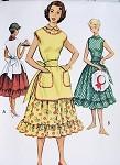 1950s OVER THE HEAD JUMPER APRON, DRESS PATTERN CUTE DESIGN, RUFFLED HEMLINE , PETER PAN COLLAR McCALLS 8955