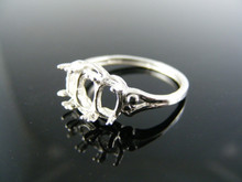 R17 RING SETTING STERLING SILVER, SIZE 7.5, 1-7x5 & 2-6x4 MM OVAL SHALLOW CUT STONES