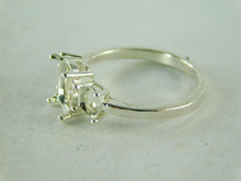 6437 STERLING SILVER RING SETTING, 3 STONE 1- 8X6 MM & 2 - 5X4 MM ACCENTS OVAL FACETED GEMSTONE, SIZE 8