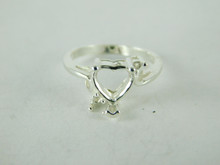 6500 STERLING SILVER RING SETTING, 3 STONE, 1 - 8 MM HEART & 2 - 2 MM ROUND FACETED GEMSTONE, SIZE 5.25