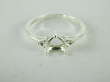 6503 STERLING SILVER RING SETTING, 3 STONE, 1 - 7X7 MM HEART & 2 - 2MM ROUND FACETED GEMSTONE, SIZE 8.25