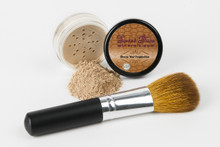 Mineral Foundation with Flawless Face Brush