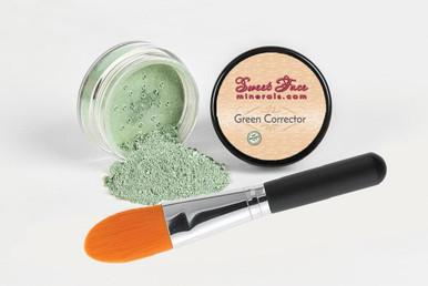 Green Corrector with Maximum Concealer Brush