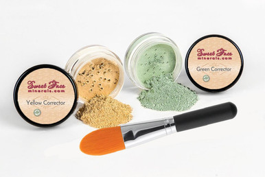 Green and Yellow Corrector Set with Concealer Brush