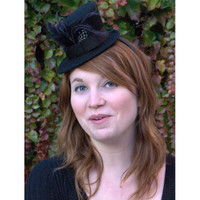 Mini Victorian Top Hat in black