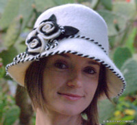 Rosebud Felt Cloche in white