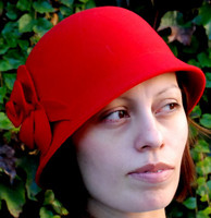 Felt Cloche Hat in red