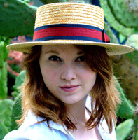 Women's Straw Boater Hat.