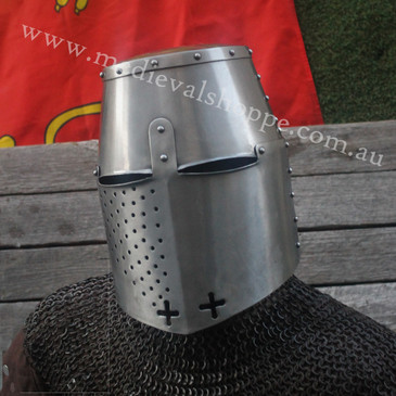 Templar Great Helm (B)