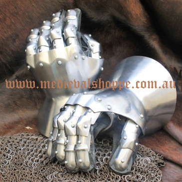 English Hourglass Gauntlets (16g)