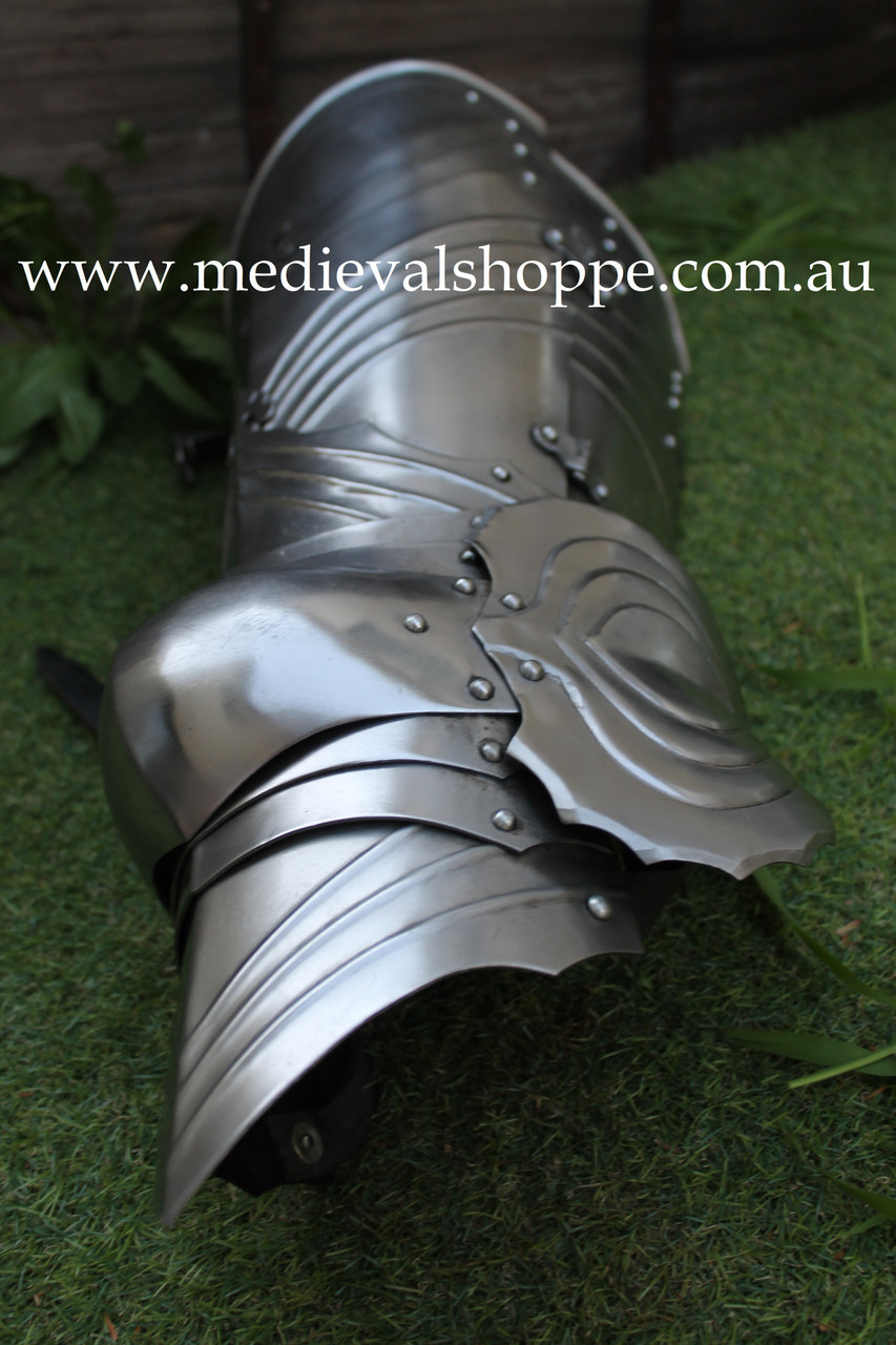 Gothic Legharnesses (One Pair). Cuisse and Articulated Poleyn Combination (16g) Greaves
