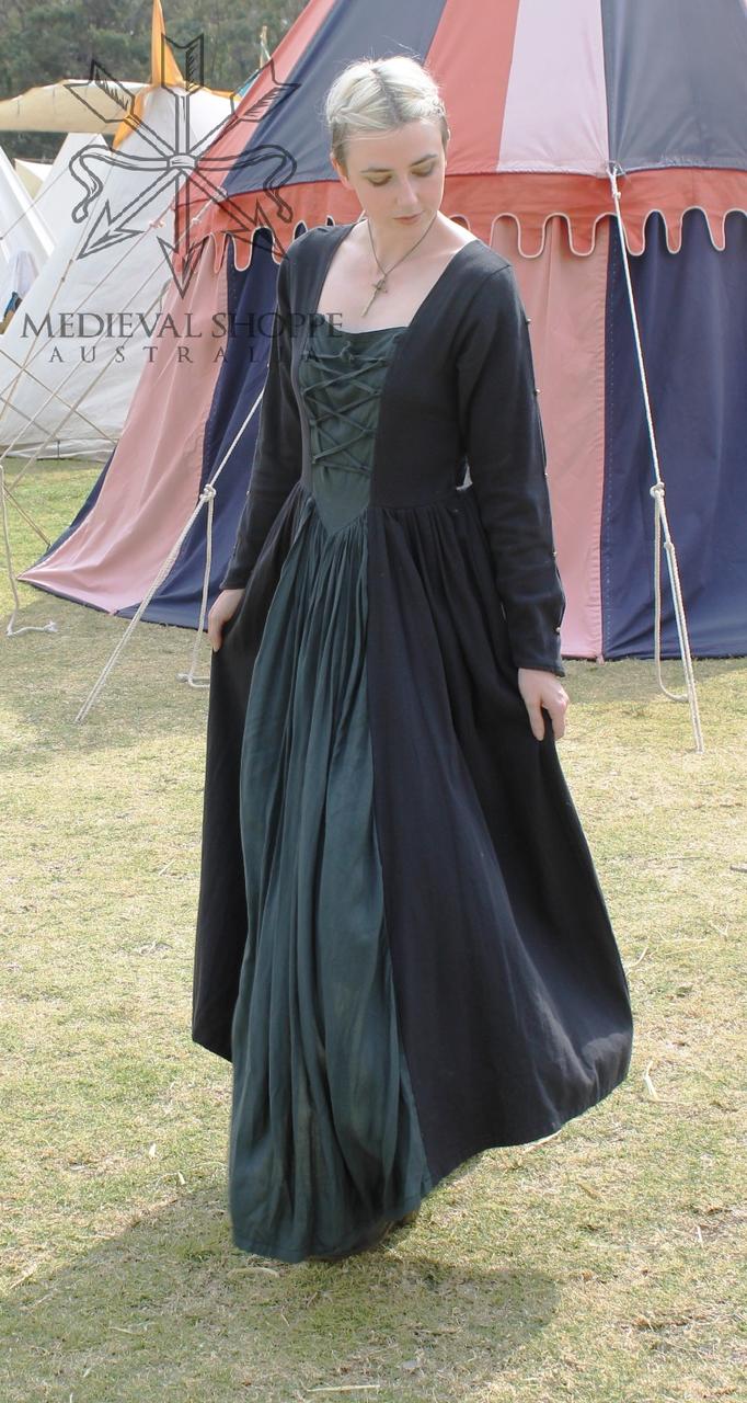 1402 Medieval Dress