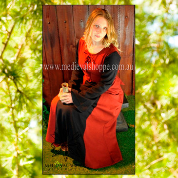 Medieval Dress 1448
