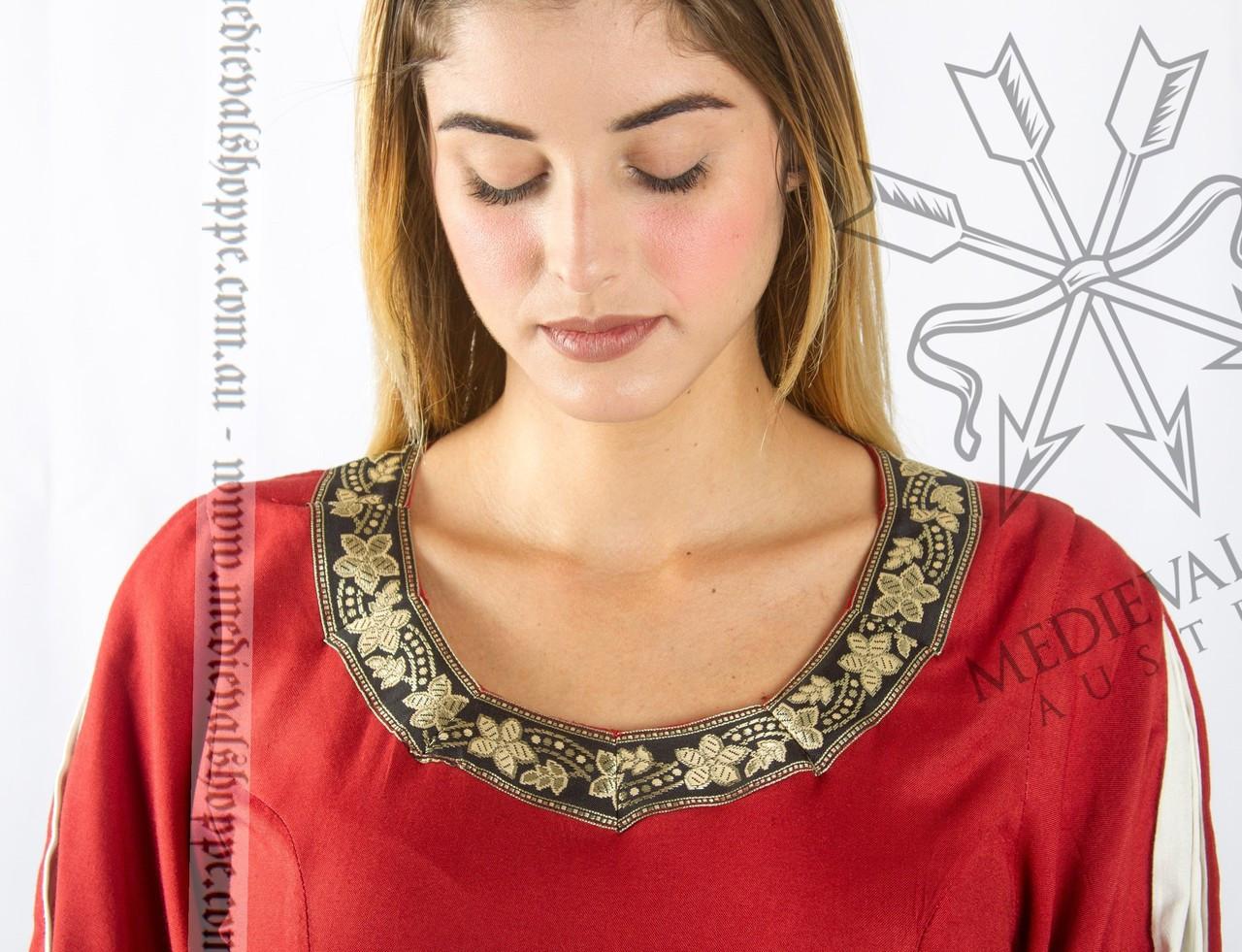 15th century medieval dress