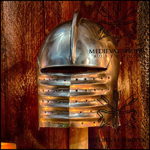 "Gothic Helmet (""German Closed Bellows"")"