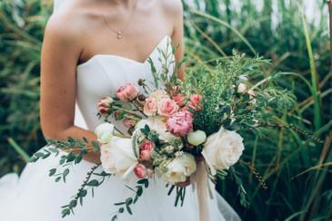 https://d3d71ba2asa5oz.cloudfront.net/23000296/images/chrysal-premium-flower-care-full-bloom-for-more-vibrant-flowers-15ml-casku18341.jpg