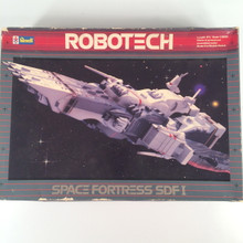 Robotech Defenders Model Kit Space Fortress SDF1 opened box 1/5000 Scale Macross