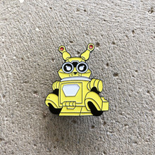 Power Morphicon 2018 Power Rangers Beast Morphers Go Busters Yellow Bunny Buddy Roid Pin