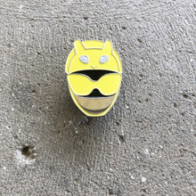 Power Morphicon 2018 Power Rangers Beast Morphers Yellow Helmet Pin