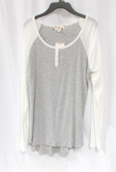 Hippie Rose Juniors' Contrast Raglan-Sleeve Faux-Henley Top Gray White L NWT