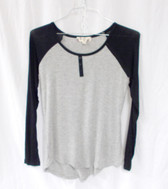 Hippie Rose Juniors' Contrast Raglan-Sleeve Faux-Henley Top Baseball Tee S NWT