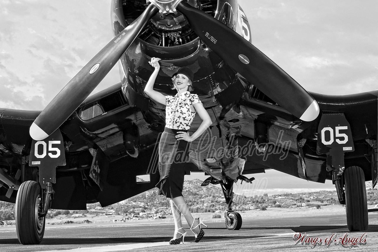 Wings of Angels F4U-4 Corsair Beautiful Ashten B/&W Malak