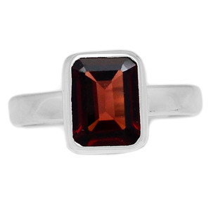 Deep Red Faceted Garnet 925 Sterling Silver Ring Jewelry s.8 GNFR651