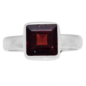 Deep Red Faceted Garnet 925 Sterling Silver Ring Jewelry s.6 GNFR641