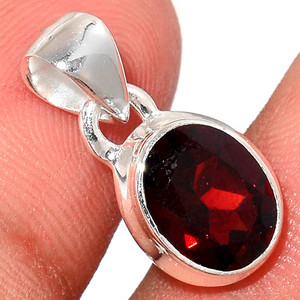 Faceted Garnet 925 Sterling Silver Pendant  Jewelry GNFP245