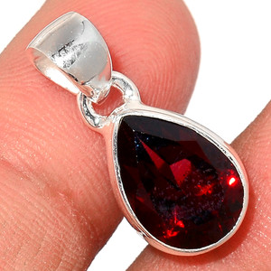 Faceted Garnet 925 Sterling Silver Pendant  Jewelry GNFP252