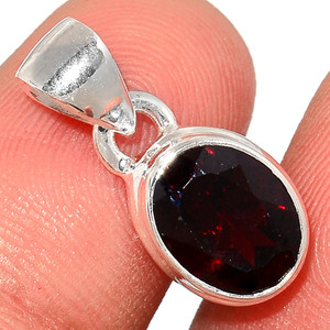 Faceted Garnet 925 Sterling Silver Pendant  Jewelry GNFP256