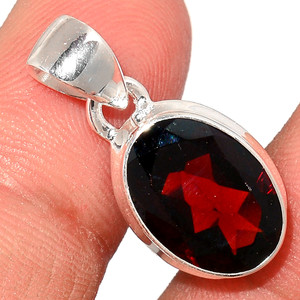 Faceted Garnet 925 Sterling Silver Pendant  Jewelry GNFP240